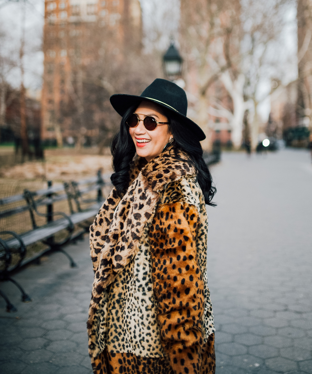 How to mix knit with faux fur