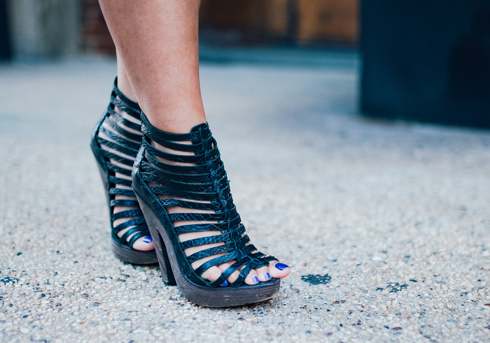 Joie embossed escapade sandals